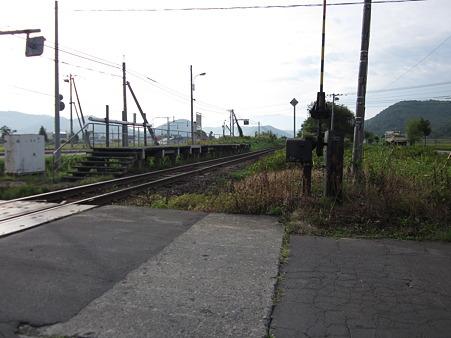 愛山駅ホーム2