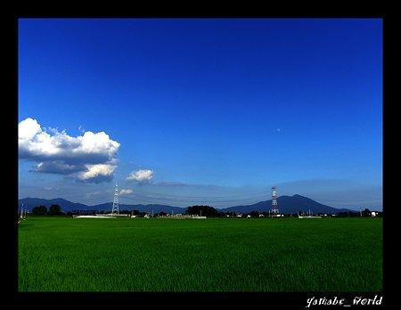 月と雲と筑波山