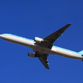 Korean Air 777-300 Take off !