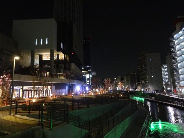 開業まで42日・川沿いを歩けます。