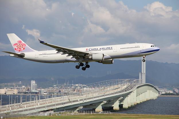 フォト蔵チャイナエアライン Airbus A330-300アルバム: 関西国際空港 (110)写真データoseigtさんの友達 (48)フォト蔵ツイート