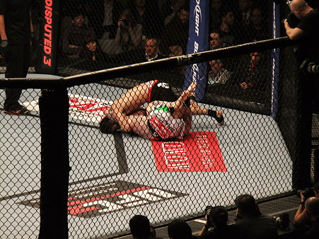 UFC 144 日沖発vsバート・パラゼウスキー (5)