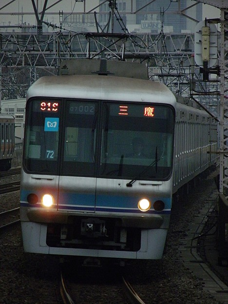 PB280057