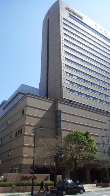 中央区日本橋蛎殻町2丁目。...