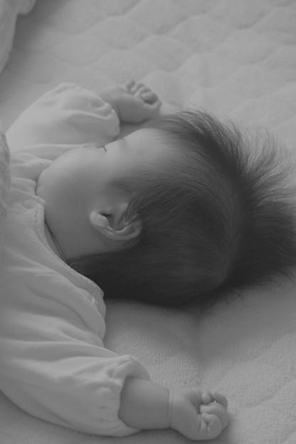 ばんざ~いで眠るのが好き!