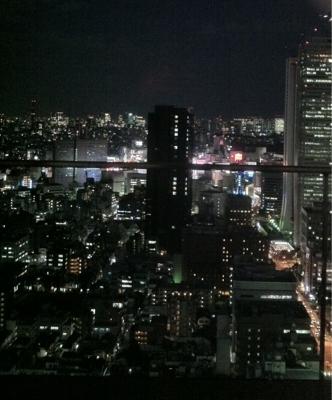 新しい摩天楼から